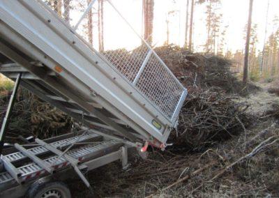 mtalkkari risujen ja roskien poisvientiä